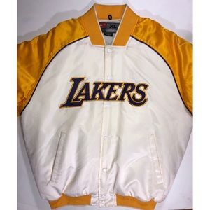 Host Pick Lakers puffer jacket nylon. Size XL Nike